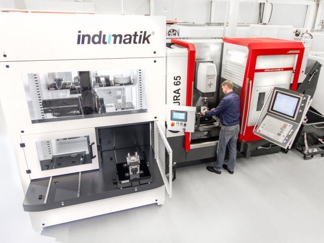 Bearbeitungszentrum ACURA 65 mit Indumatik Automation (1)